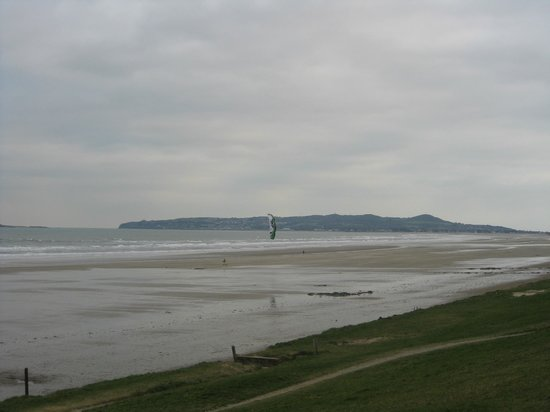 Portmarnock Hotel and Golf Links:                                     Portmarnock beach - HUGE