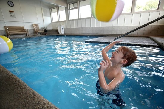 إن آت سي سايد: Indoor heated pool