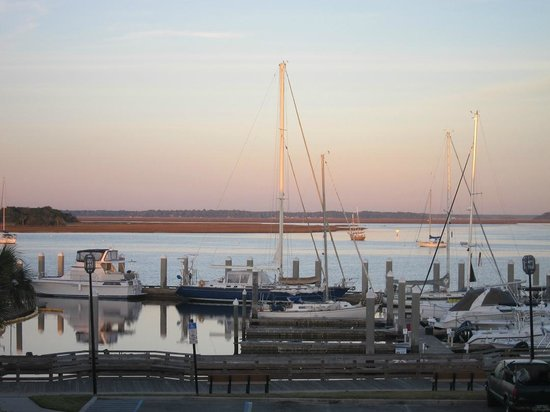 Hampton Inn & Suites Amelia Island-Historic Harbor Front:                   View from our window at Hampton Inn