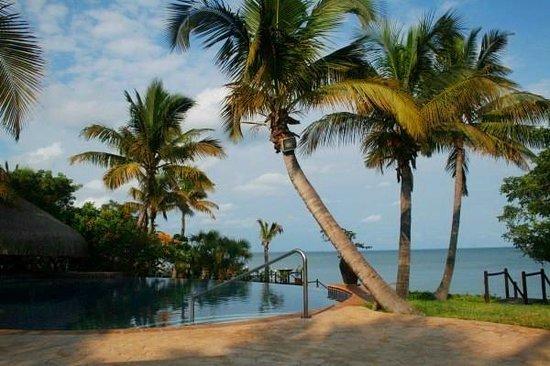 Anantara Bazaruto Island Resort:                   бассейн