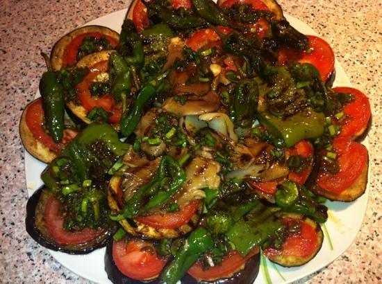 Cafe 2012 RX Lounge:                   grilled vegetables, special order, ask staff