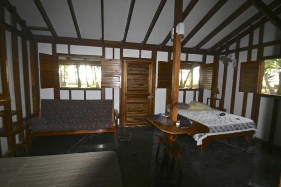 Cabinas Sol y Mar: Inside of non duplex cabina