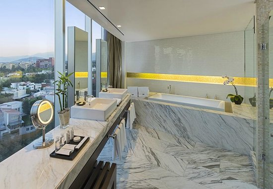 The Westin Santa Fe Mexico City: Baño Suite Presidencial