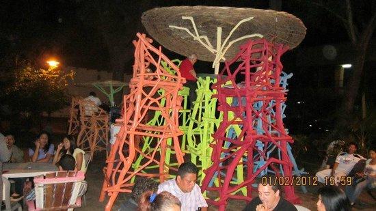 Ceviche y cocteles El Pollo:                                                       tall chairs whooooooo