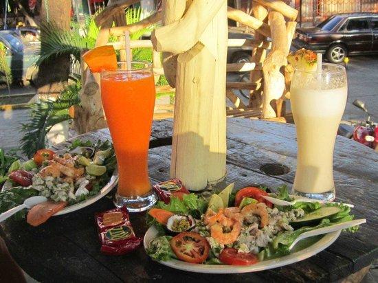 Ceviche y cocteles El Pollo:                                                       delicius food