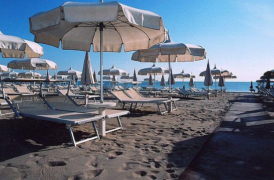 Un angolo di mare picture of bagno holiday village milano marittima tripadvisor - Bagno holiday village ...