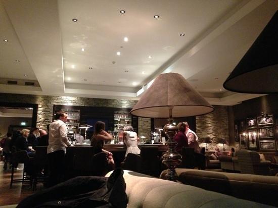كاميرون هاوس أون لوتش لوموند:                   Great Scots bar                 