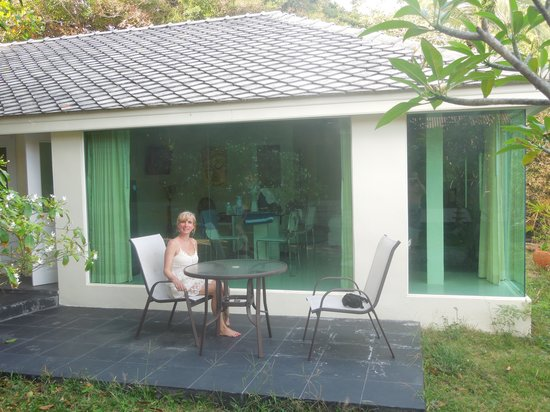 Samui Beach Resort:                   Seaview bungalow