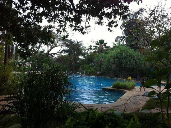 Hotel Laguna Anjuna:                   Pool sicht