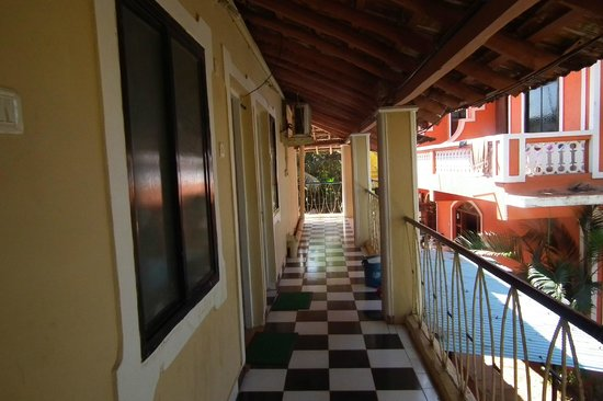 Joaquim Guest House:                                     balcony