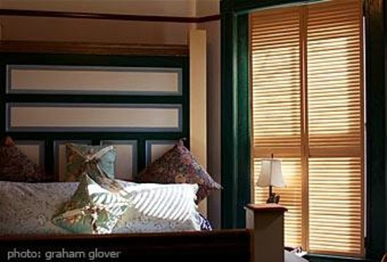 The Mansion on O Street: Sunlit rooms. photo: graham glover