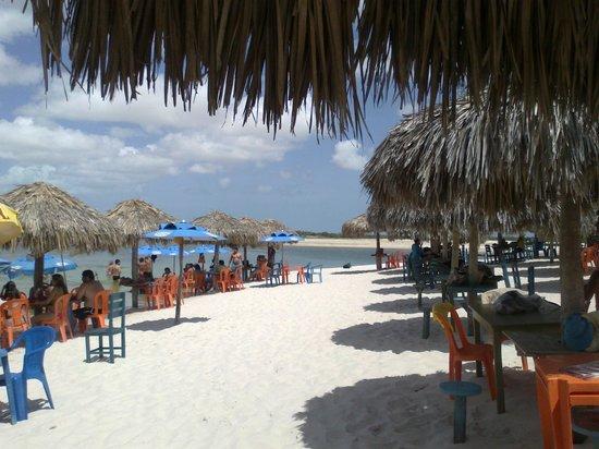 Passeio de bugue as Lagoas Azul e Paraiso:                   Lagoa Azul, agua morninha , relaxante demais!