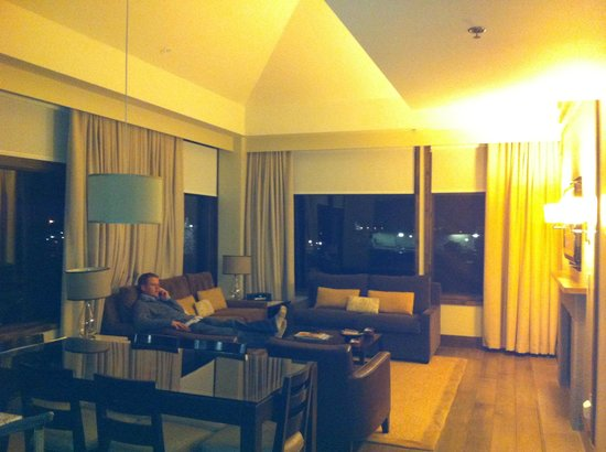 Westin Riverfront Resort & Spa:                   Living room