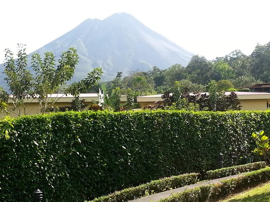 Arenal Volcano Inn:                                     view from a cabin