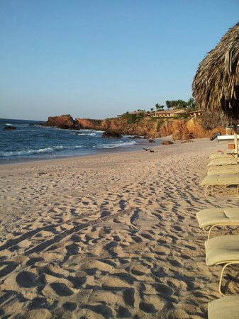 Four Seasons Resort Punta Mita:                   Private beach for 4 Seasons
