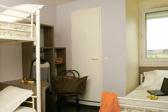 Relais Fasthôtel Lens : Chambre triple (3 lits d'une personne)
