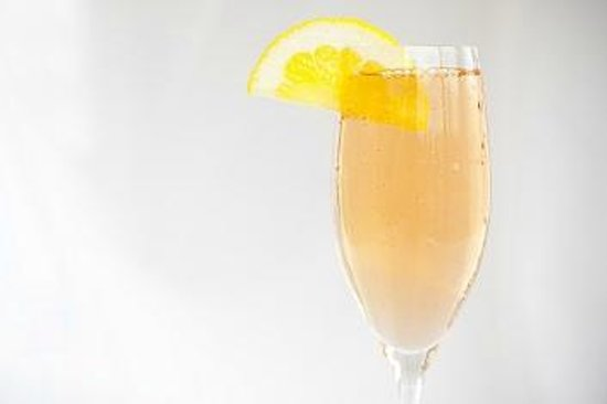 Canyons Restaurant & Bar: Enjoy our fresh mimosas