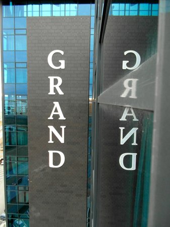 Grand Hotel Reykjavik:                   Grand Refections