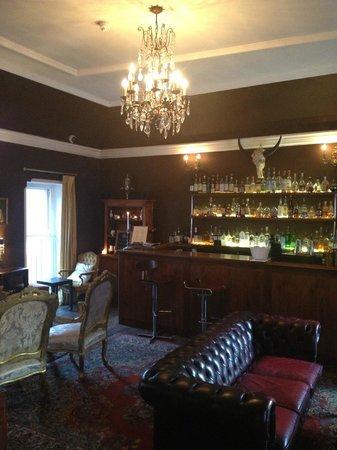 The Venner Bar