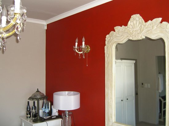 Perle-du-Cap Private Suite Estate:                   nice and cozy rooms