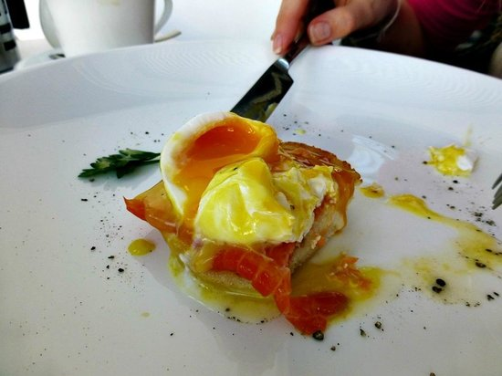 The Chedi Muscat – a GHM hotel:                   Perfect poached eggs!