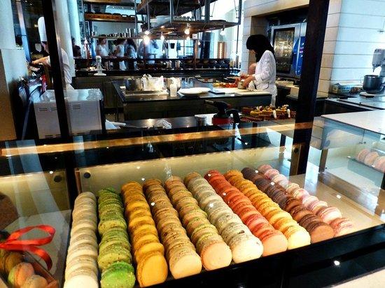 The Chedi Muscat – a GHM hotel:                   Cake making