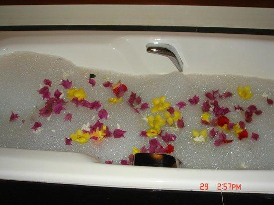 Tanjong Jara Resort:                   Fresh flowers in my bath!                 