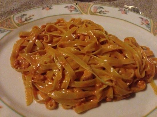 Spaghetteria da Grillo :                   tagliatelle al salmone