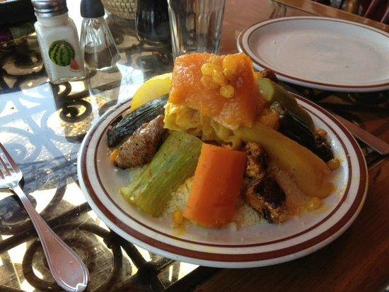 Cafe Terrasse Palais El Badia :                   le couscous poulet