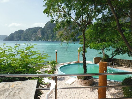 Phi Phi Don Chukit Resort: Nice view but that's about it