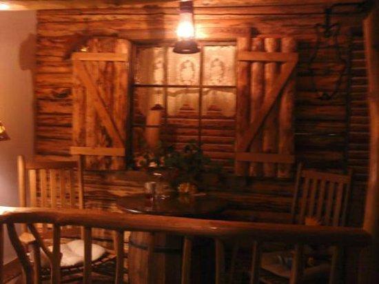 The Anniversary Inn - Fifth South:                   Romantic, Sweet Room