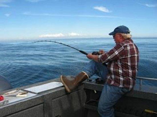 Jimmie Jack's Alaska Fishing Lodge: Halibut On!