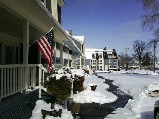 Seacastles Resort Inn and Suites:                   In the morning after storm