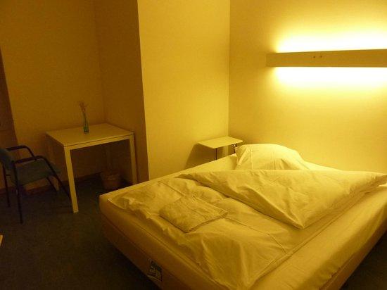 Old Town Hostel:                   Chambre simple, sdb partagée (1)