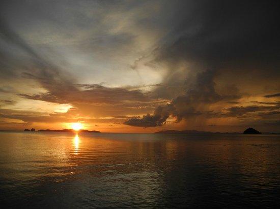 Anantara Si Kao Resort: Can't miss the sunsets