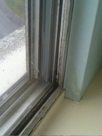 Coventry Hill Hotel:                   Mold / Grime window frame