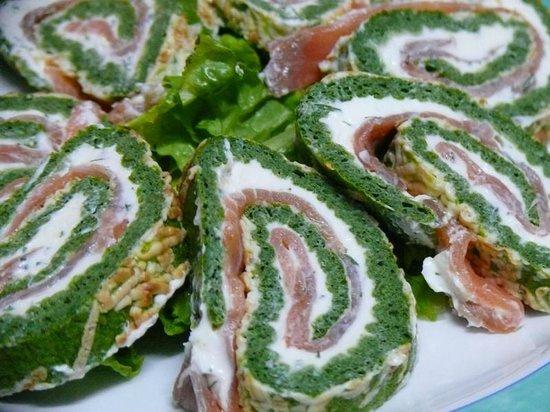 Granadilla de Abona, Spain: Brazo Gitano de Salmón ahumado, espinacas y queso crema