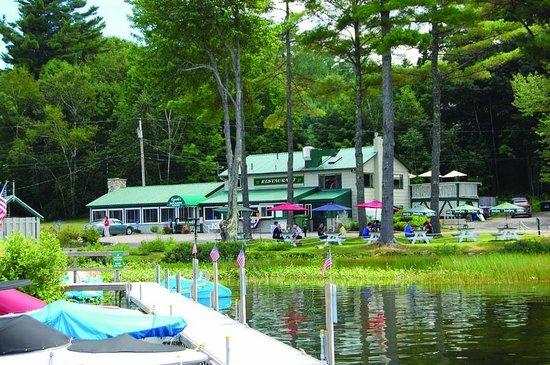 Poland Spring Resort: Docks, boat rentals and Cyndi's Dockside for Lobsters and more!