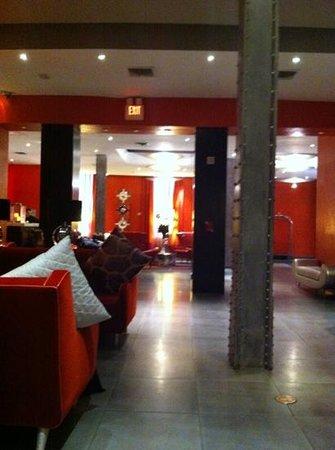 Ameritania Hotel:                   hall