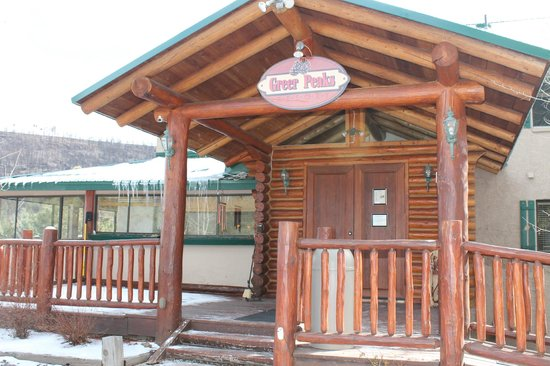 Our front door picture of the greer peaks lodge greer for Cabins near greer az