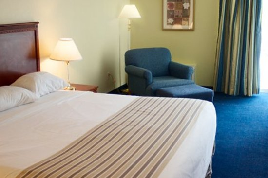 Travelodge Bradley Airport: Guest Room