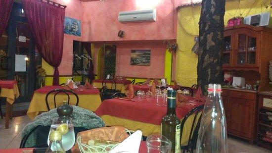 Ristorante Pizzeria Calypso : Restaurant interior