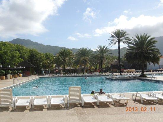 Dunes Hotel & Beach Resort:                                     Piscine principale