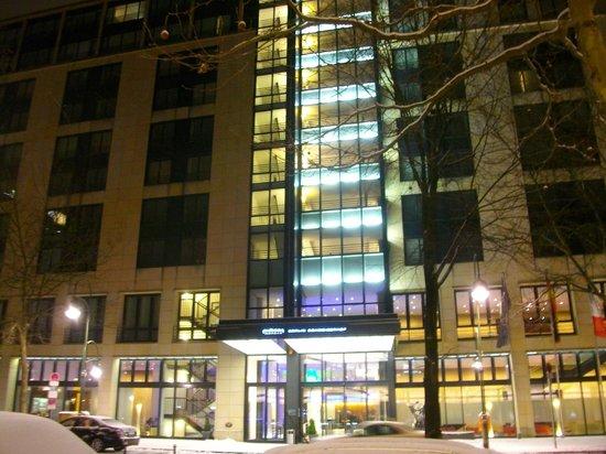 Pullman Berlin Schweizerhof:                   hotel