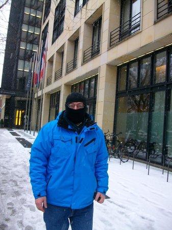 Pullman Berlin Schweizerhof:                   outside hotel it was very cold