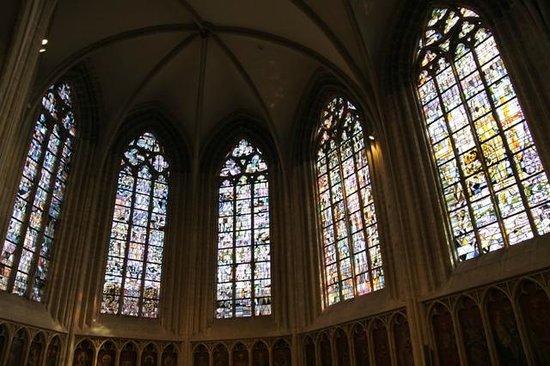 Eglise Notre-Dame (Onze-Lieve-Vrouwekerk) :                   interno