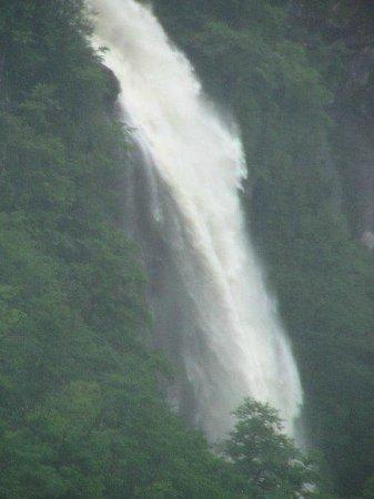 Mencuna Waterfalls
