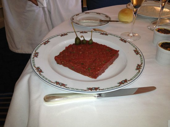 Hotel de Paris Monte-Carlo: Steak tartare, very nice