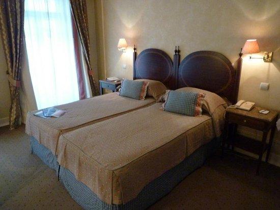 As Janelas Verdes: Chambre spacieuse et lumineuse