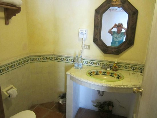Ana Catalina:                   Spacious bathroom.
